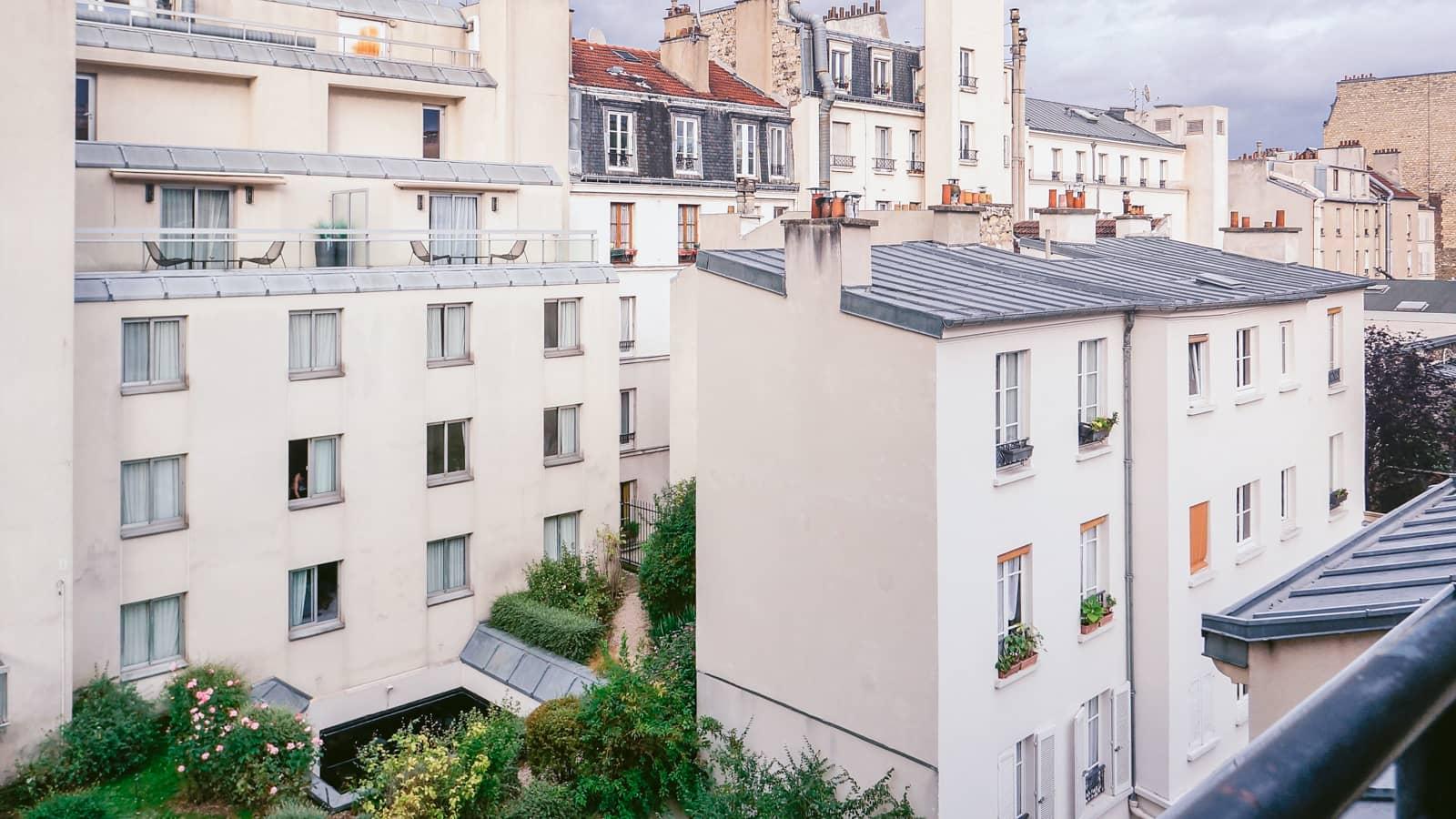 Paris-1 ホテルの窓から